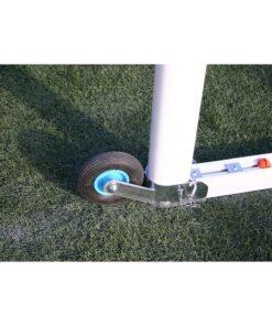 Detalle rueda porteria futbol